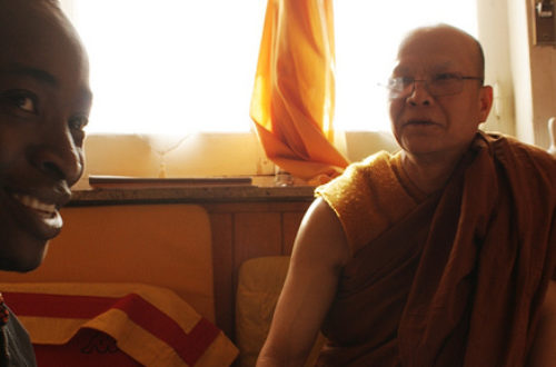 Article : Un Africain découvre les préceptes bouddhistes mais pense à la malaria