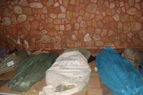 Article : Des sans abris vivent dans la rue