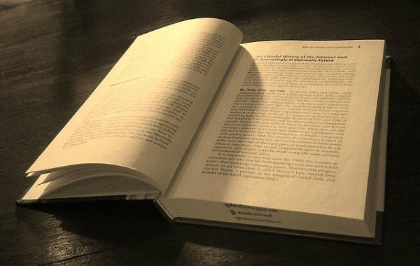 Open book, par Honou (Flickr/CC)