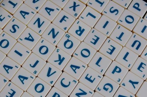 Scrabble (Crédit photo: PublicDomainPictures via Pixabay, CC)