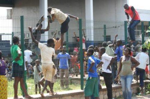 Article : Centrafrique : le tarmac de l'aéroport Bangui M'poko, la place Tahrir centrafricaine?