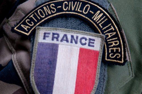 Article : A Abidjan, les militaires français troquent le treillis pour la Croix-Rouge