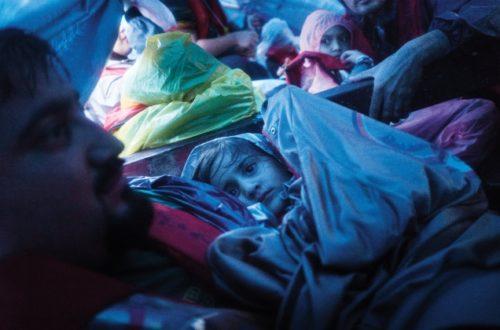 Article : Dans l'enfer du «Dream Boat», deux journalistes de combat