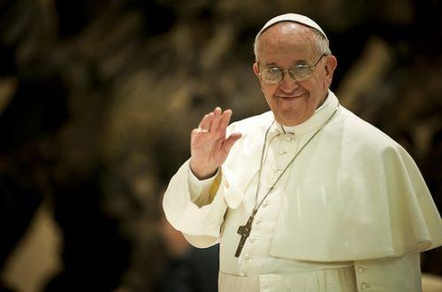 Article : Au Vatican, trop de marketing tue le pape