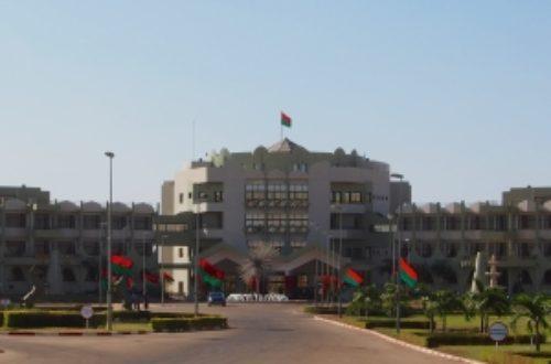 Article : Le top 10 astuces pour durer au pouvoir au Burkina