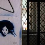 Graffiti de femme à Prague
