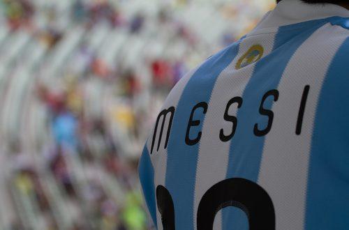 Article : Messi débarque au Gabon et le culte des apparences resurgit