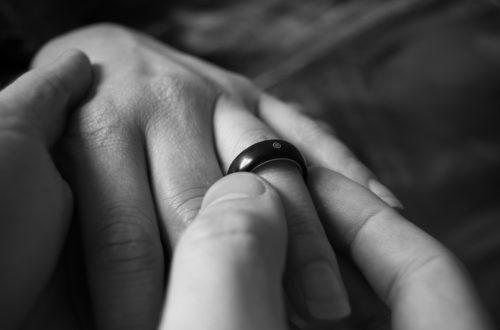 Article : Pourquoi c'est le garçon qui demande la fille en mariage ?