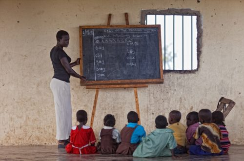 Article : Guinée : les enseignants contractuels exigent leur intégration