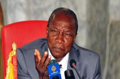 Présidentielle en Guinée: huit candidats pour un poste