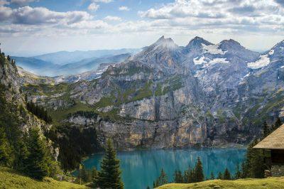 montagne-lac-suisse-paysage-vallee-neige