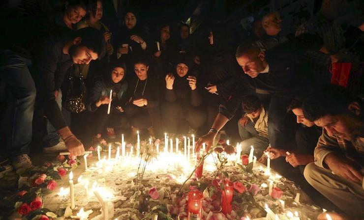 Un hommage au double attentat, à Beyrouth le 13 novembre 2015