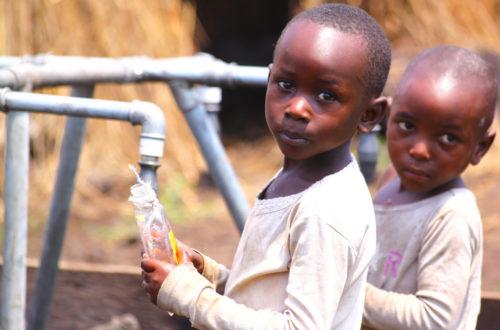 Article : La RDC autorise l'adoption de 72 enfants par des étrangers