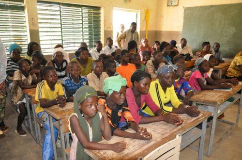 Article : Le boubou interdit dans les établissements scolaires mauritaniens