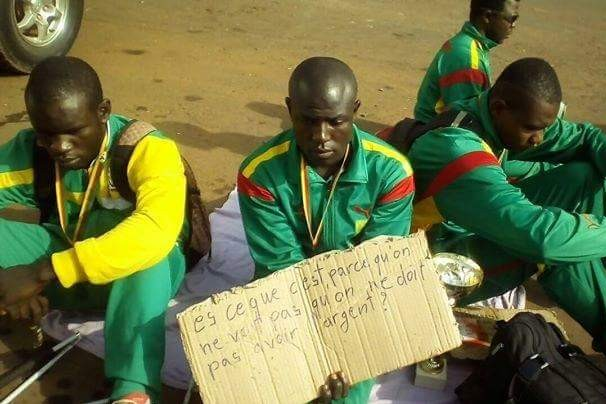 Sit-in de l'équipe de Céciifoot du Cameroun