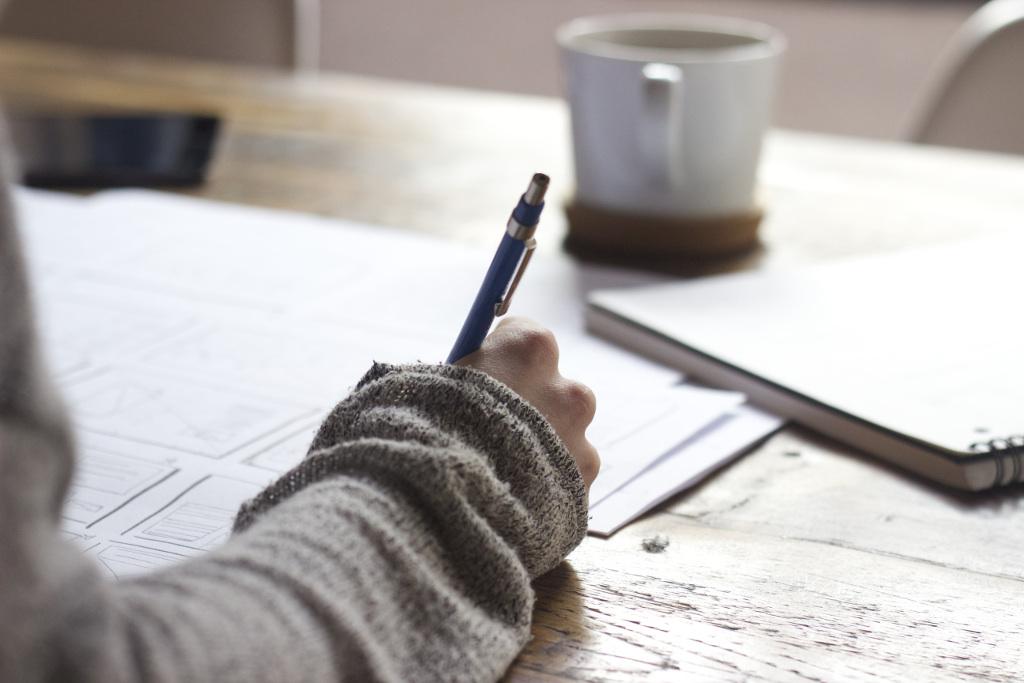 Article : Coup de plume: Dame écriture, enivre moi