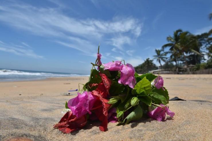 gerbe de fleurs sur une plage