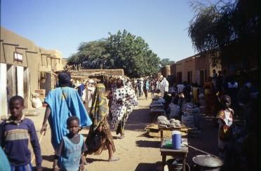 Photo dans les rues de Gossi, entre Hombori et Gao