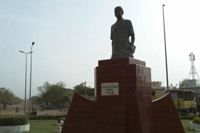 Monument dédié au Leader estudiantin Abdoul Karim Cabral assassiné dans les années 1980 par le régime militaire du général Moussa Traoré
