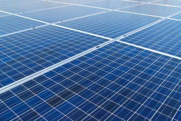 un océan de panneaux solaires