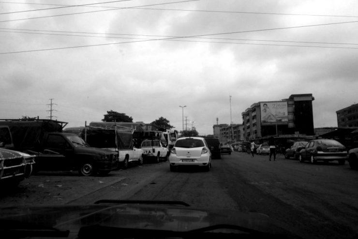 Une gare à Abidjan
