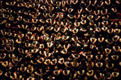 Des étudiants diplômés