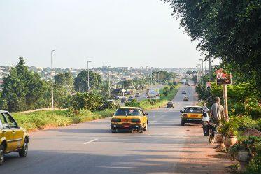 Une route de Yaoundé