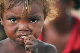 Un enfant mendiant