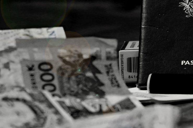 passeport-france-francais-papiers-identite-argent
