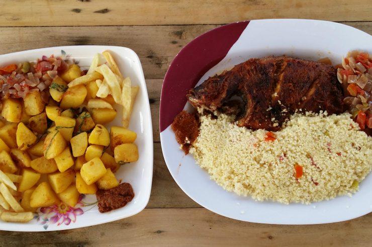 atieke-poisson-manioc-frites-assiettes-plat-nourriture-bouffe-repas