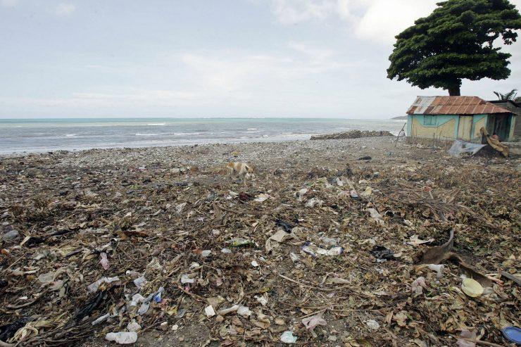 haiti-plage-dechets-mer-ciel