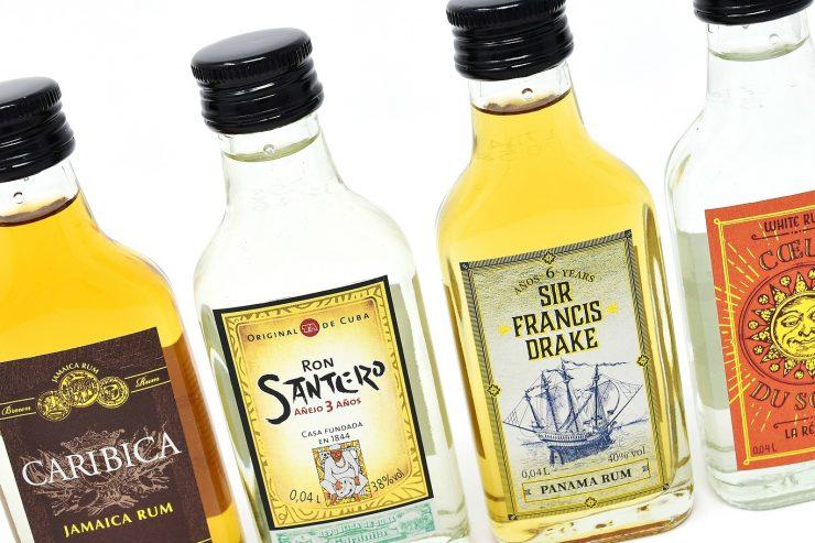 bouteilles-alcools-rhum