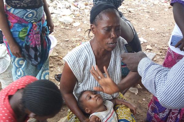 femme-enfant-africaine-bebe-guinee