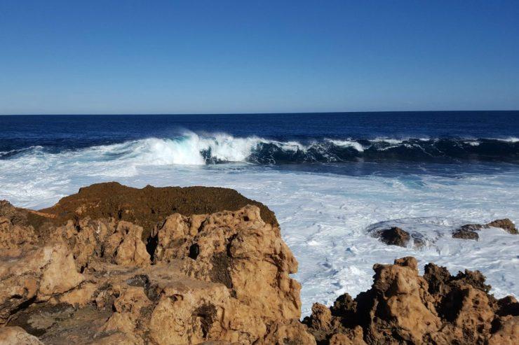 vague-carnarvon-mer-rochers-australie
