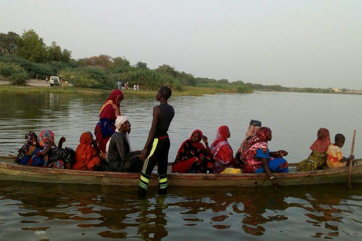pirogue-bol-lac-tchad-bateau-peche