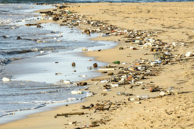 pollution-plastique-dechets-mer-plastique