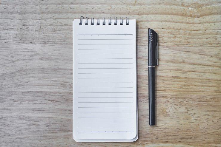 papier-cahier-carnet-bloc-notes-stylo