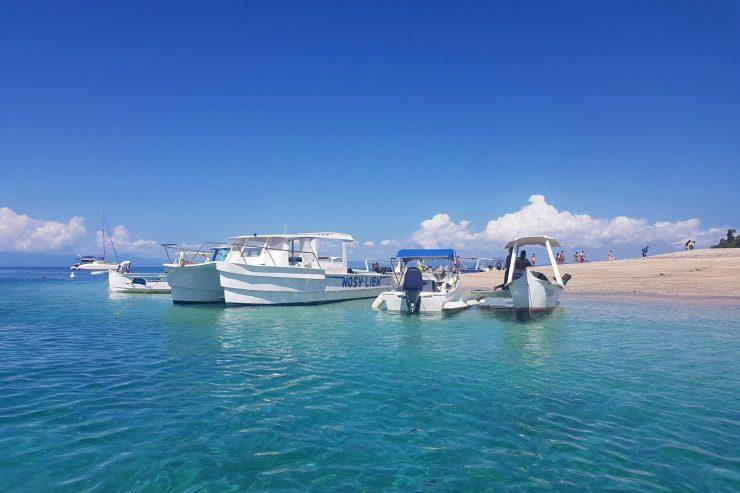 nosy-be-madagascar-ile-plage-bateau-port-mer-ocean-vacances