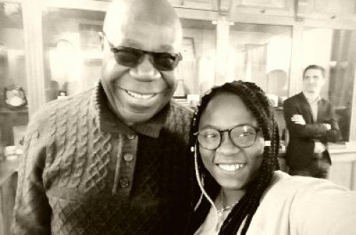 Article : Ma rencontre avec Manu Dibango: une discussion intéressante sur la musique en Afrique