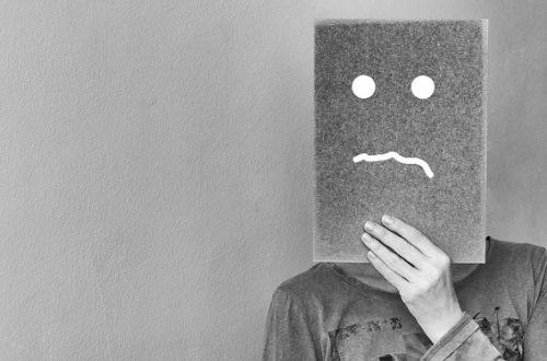 Article : Titre de séjour, la frustration silencieuse