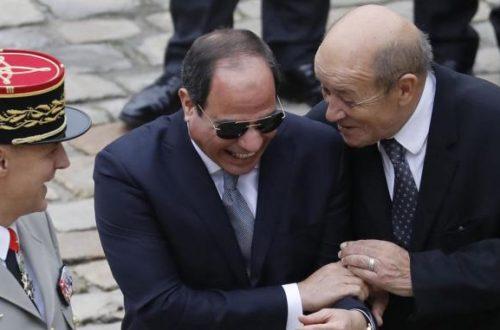 Article : En Egypte, c'est dans le silence qu'on bourde Macron et la France