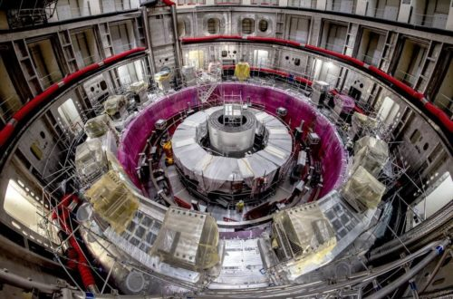 Article : Entretien avec les responsables d'ITER : «Mettons-nous au travail et changeons le monde !»